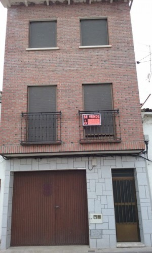 House in Sale in  Navalcán, Toledo